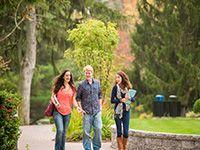 Sinh viên năm nhất đại học: Gặp ai để được hỗ trợ?